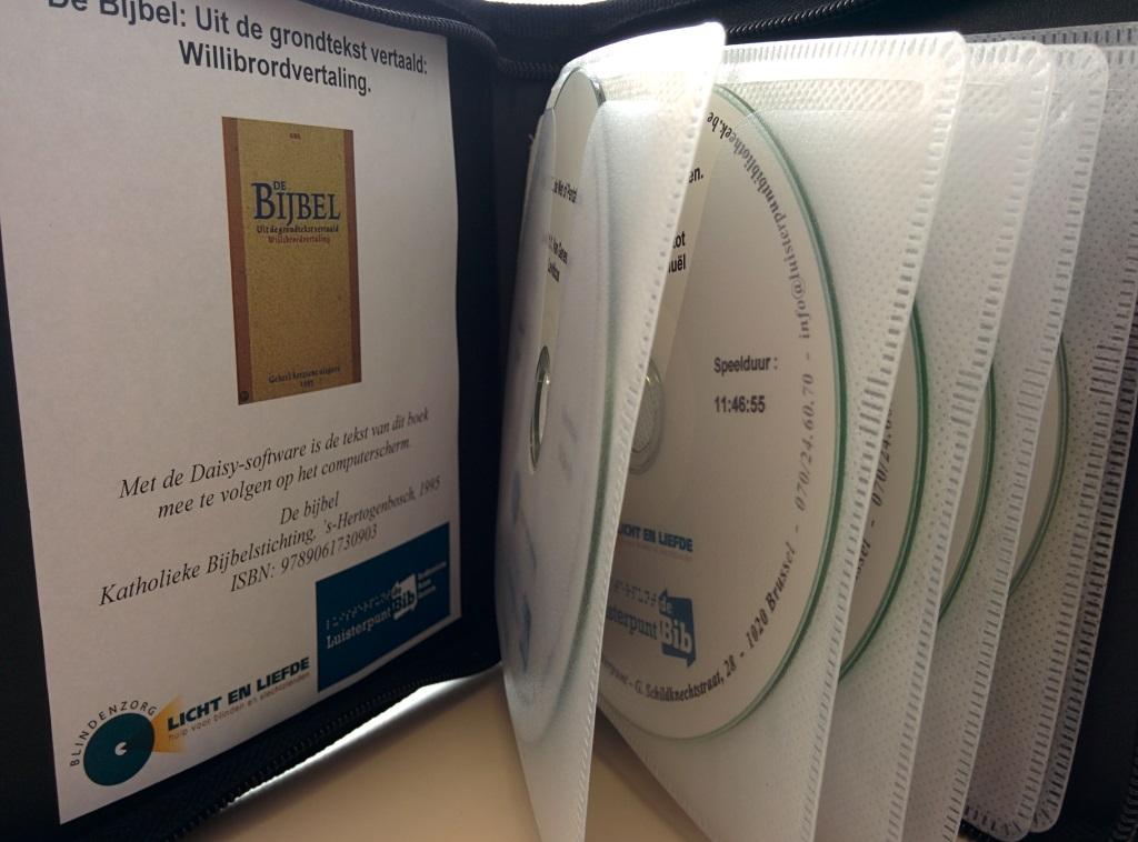 De Bijbel in 130 uren of op 1 km braillepapier